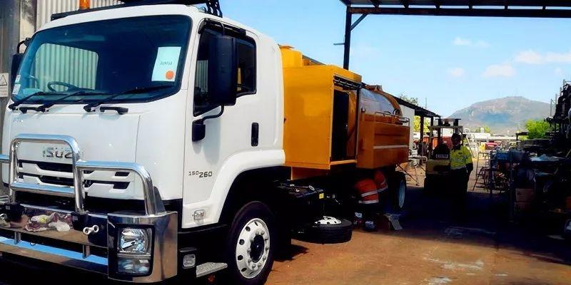 重磅:鑄高端專汽,樹行業標桿----程力智能聯合清洗吸污車遠銷澳大利亞,多功能抑塵除雪車獲廣交會國際訂單圖片